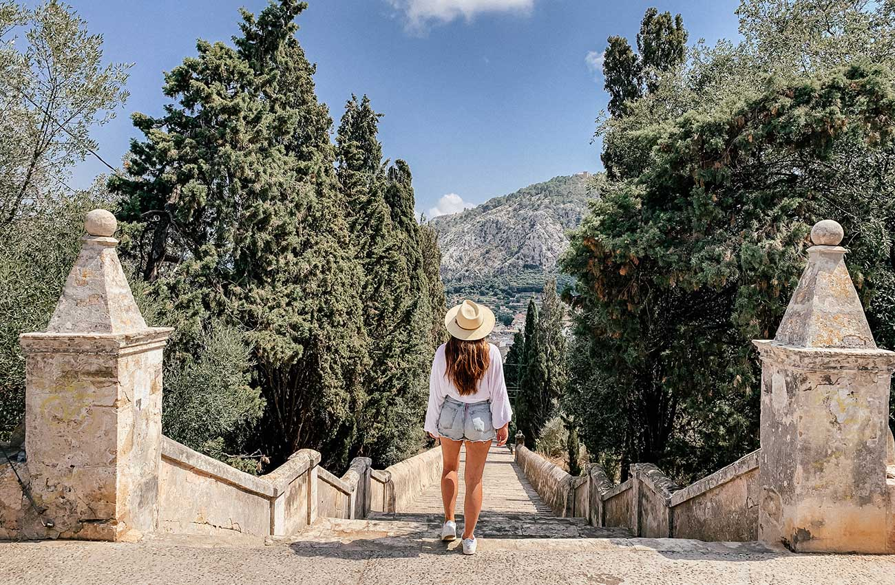 Melissa standing in front of the 365 calvari steps in Pollenca in Mallorca
