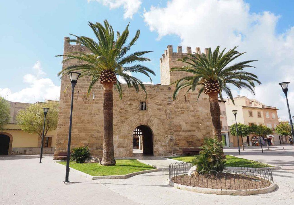 Porta Del Moll in Alcudia, Mallorca