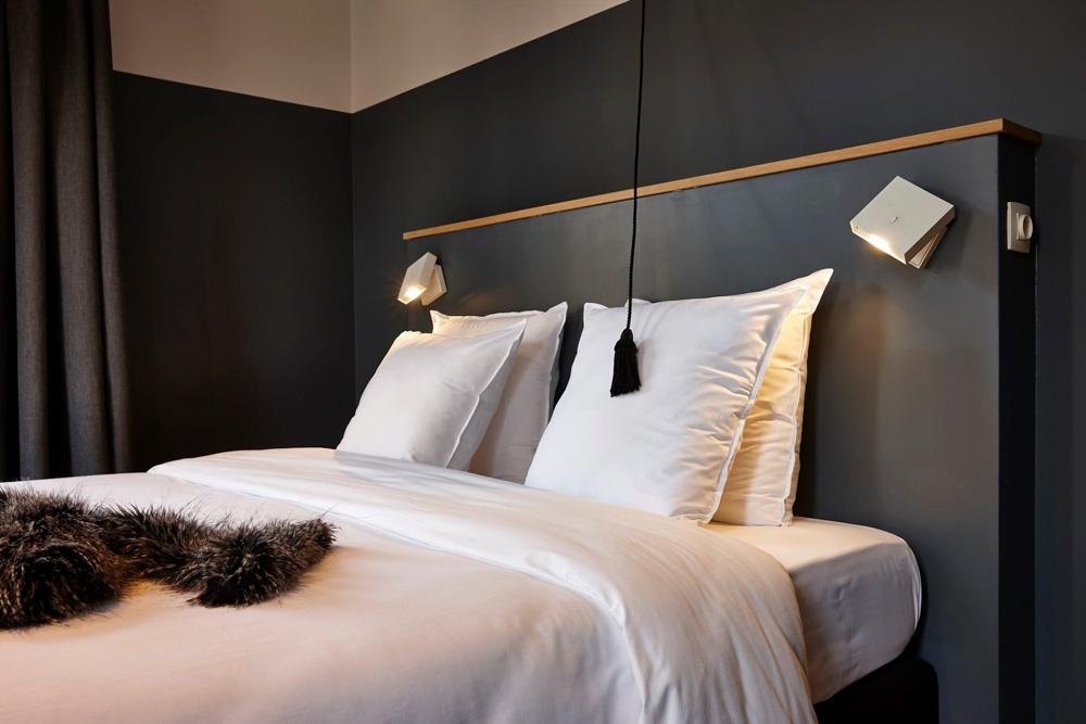 Bed at the Hotel Monsieur Ernest in Bruges