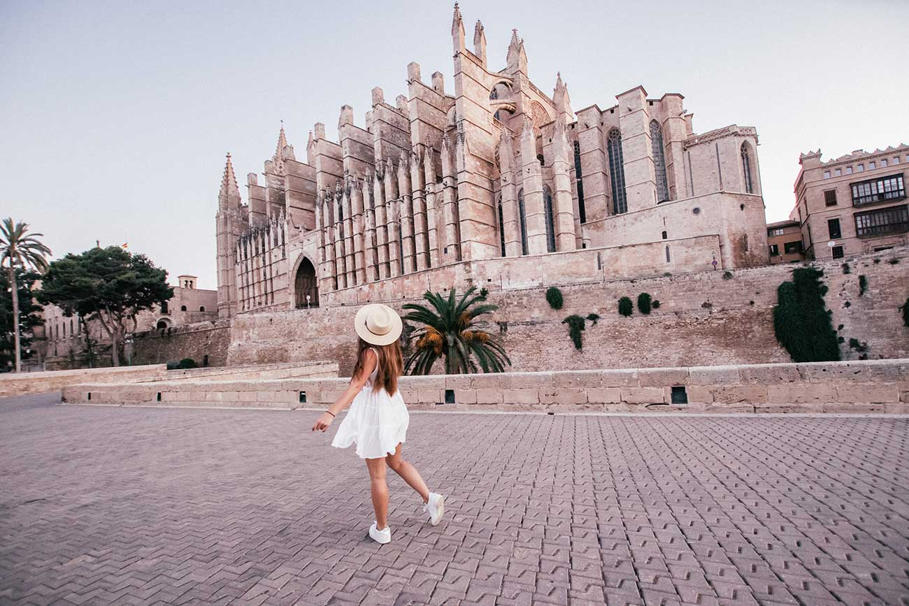Melissa dancing in front of La Seu Cathedral in Palma