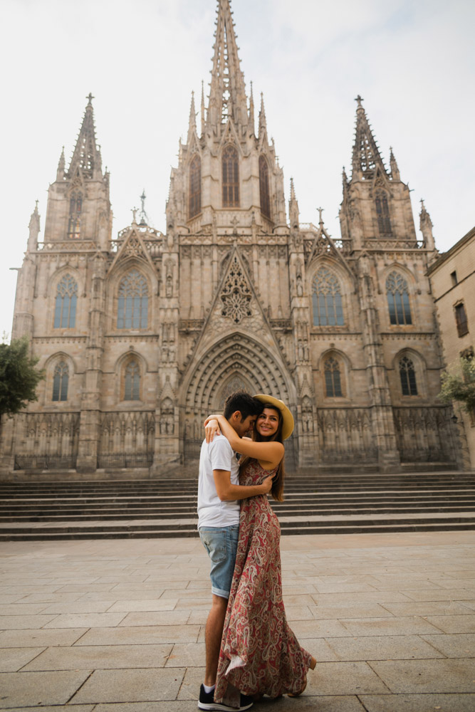 Melissa and Guga hugging in front of the Barcelona Cathedral