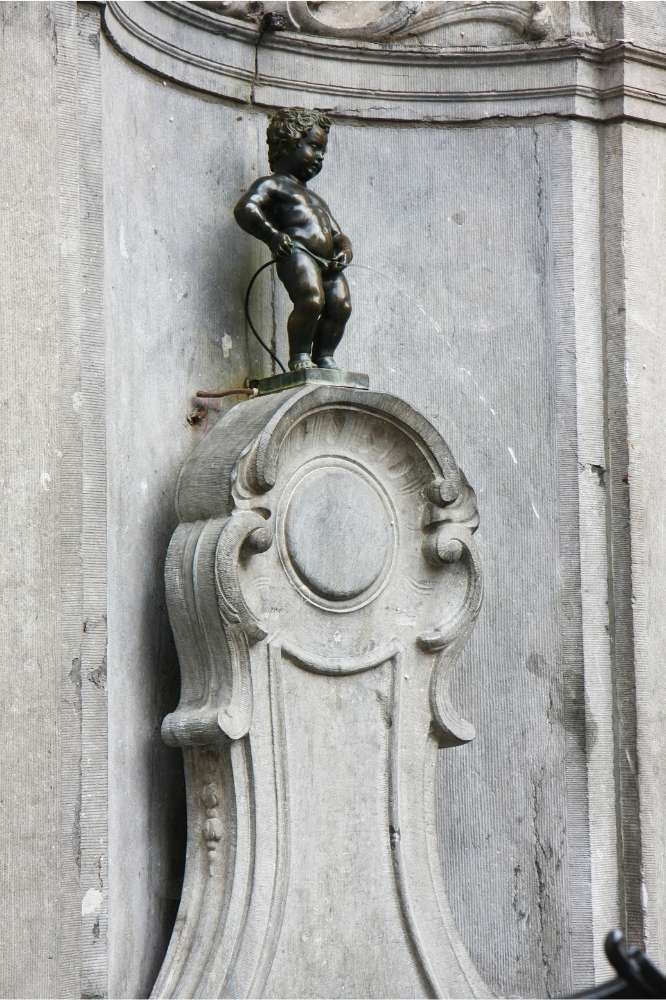 Manneken Pis statue in Brussels, Belgium